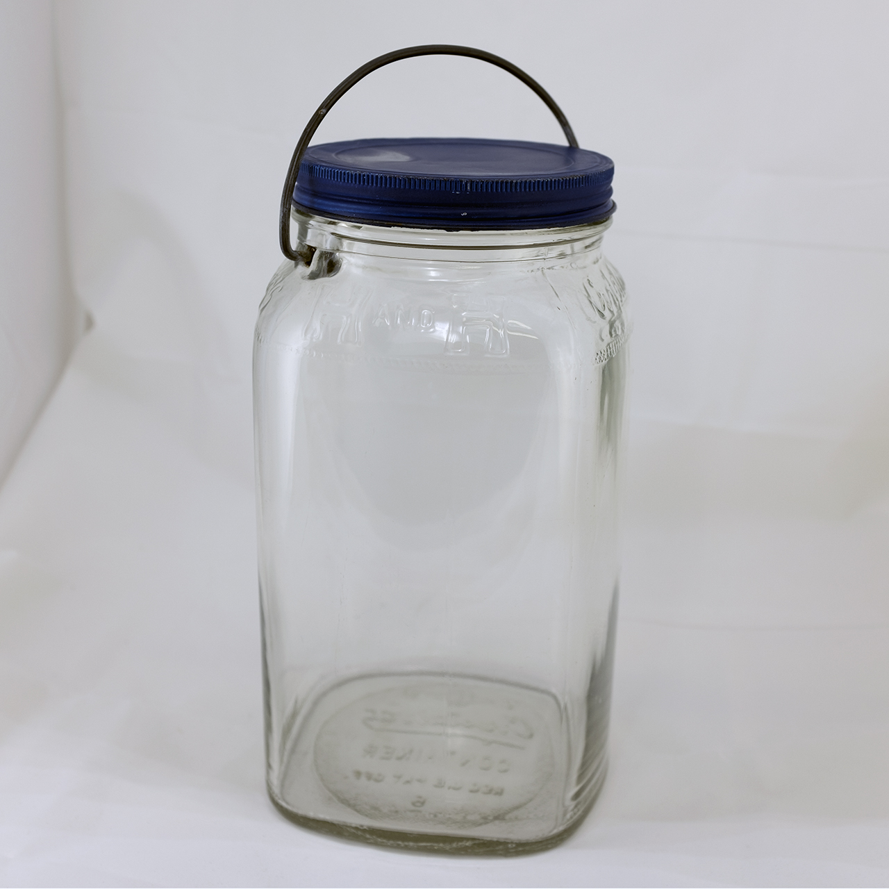 Large Crystalvac Jar